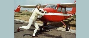 Afi-Silvano Bergamaschi-Bologna 1974-Walter Chiari in una delle sue gag prima di pilotare